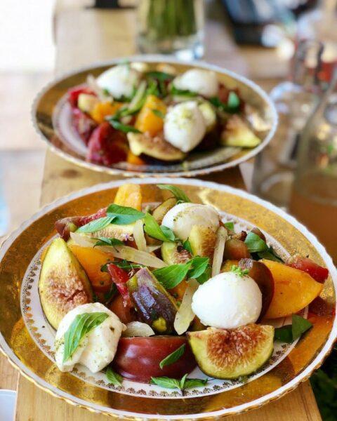 Assiette d'été, figue mozzarella di Buffala avec tomates anciennes